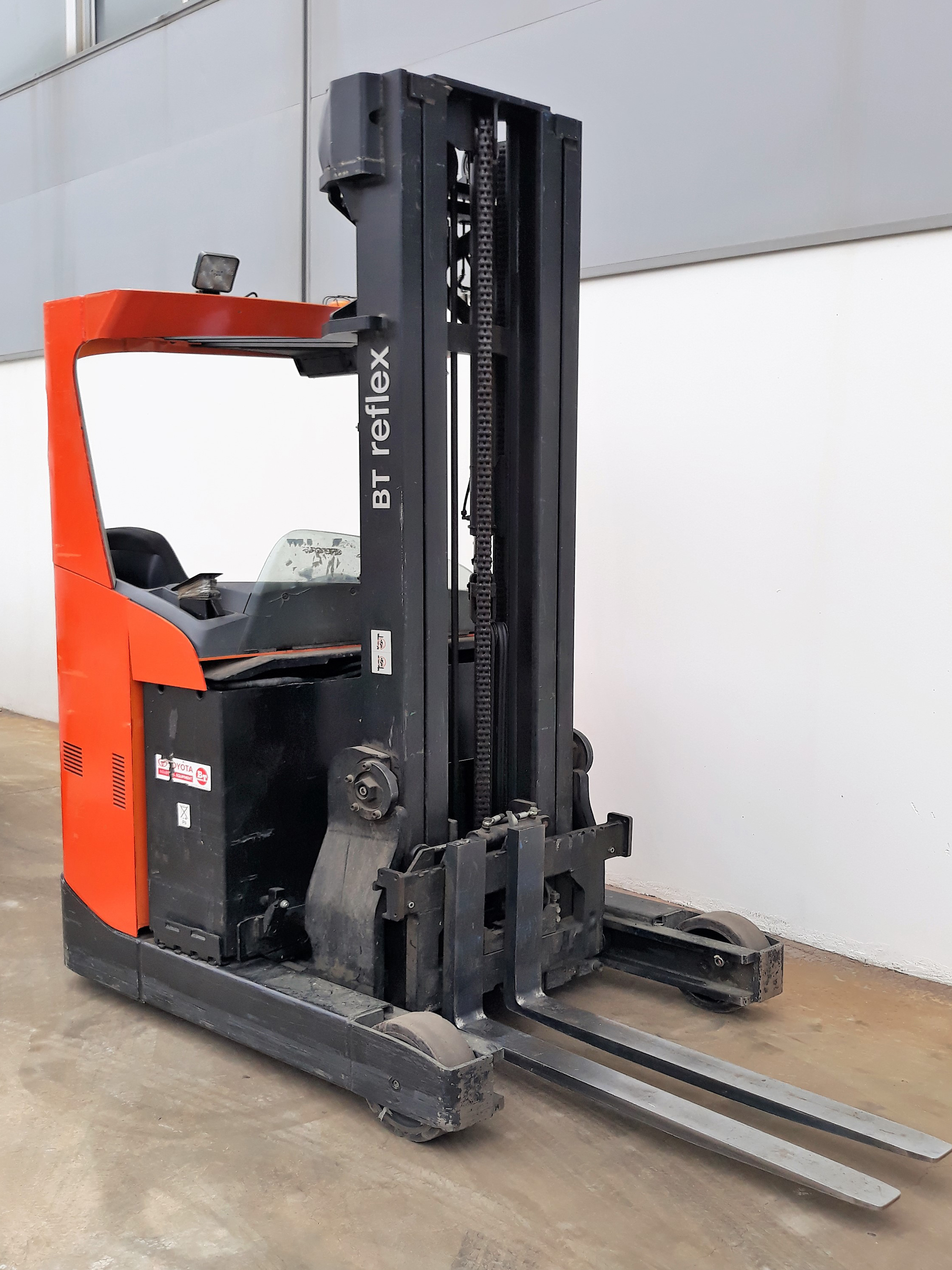 Indoor machinery-> Retractable Forklift: BT RRE 160  7800€
