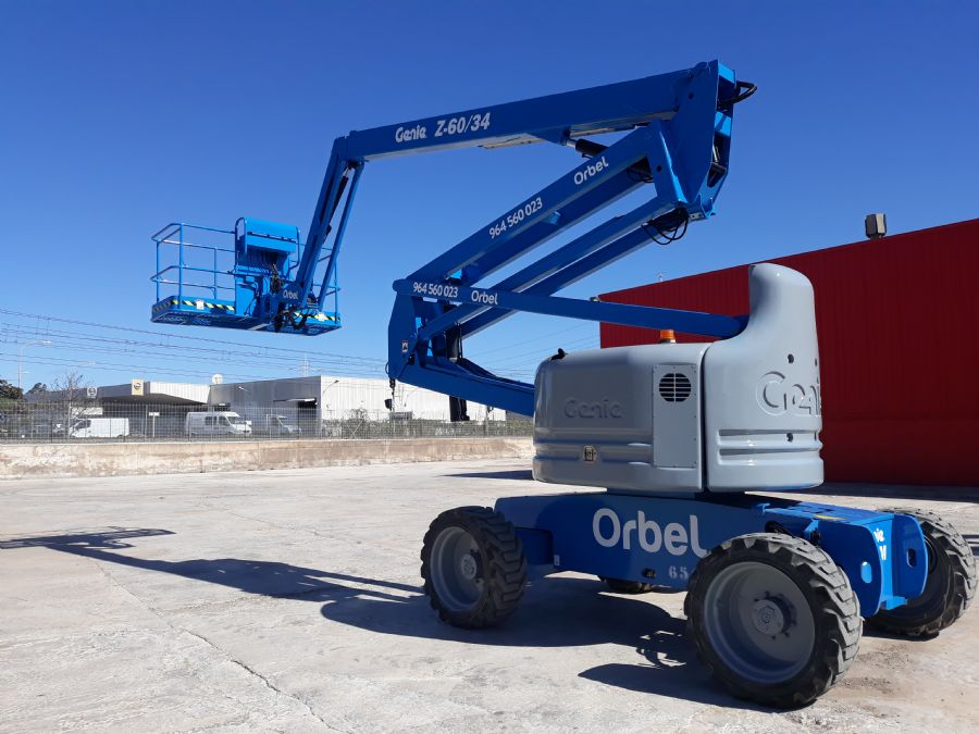 Articulating and platforms-> Diesel Articulating: GENIE Z-60/34  56000€